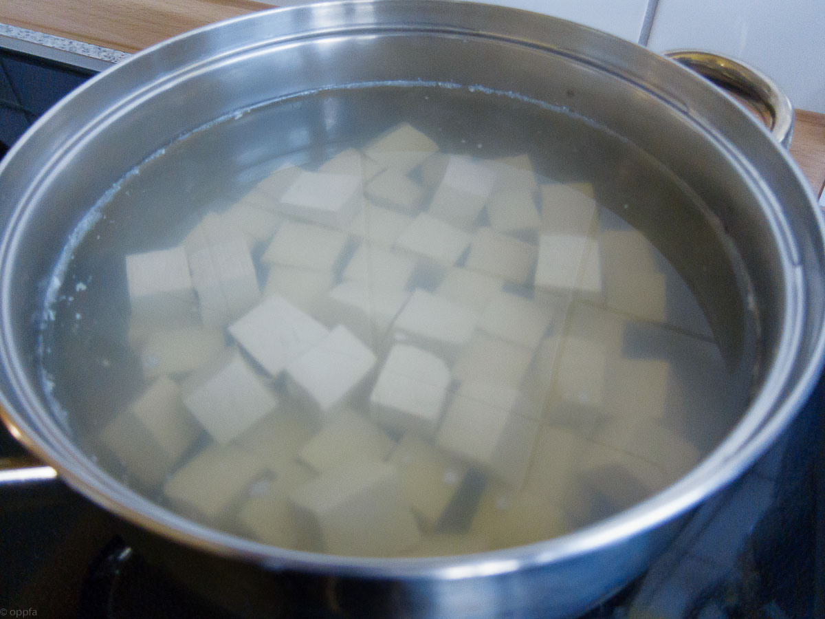 Tofu im Salzwasser