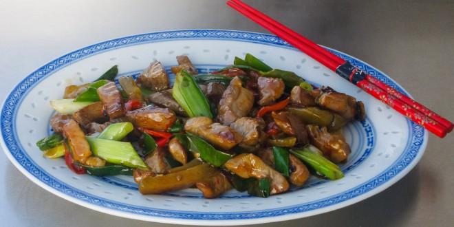 Schweinefleisch mit Sichuangemüse