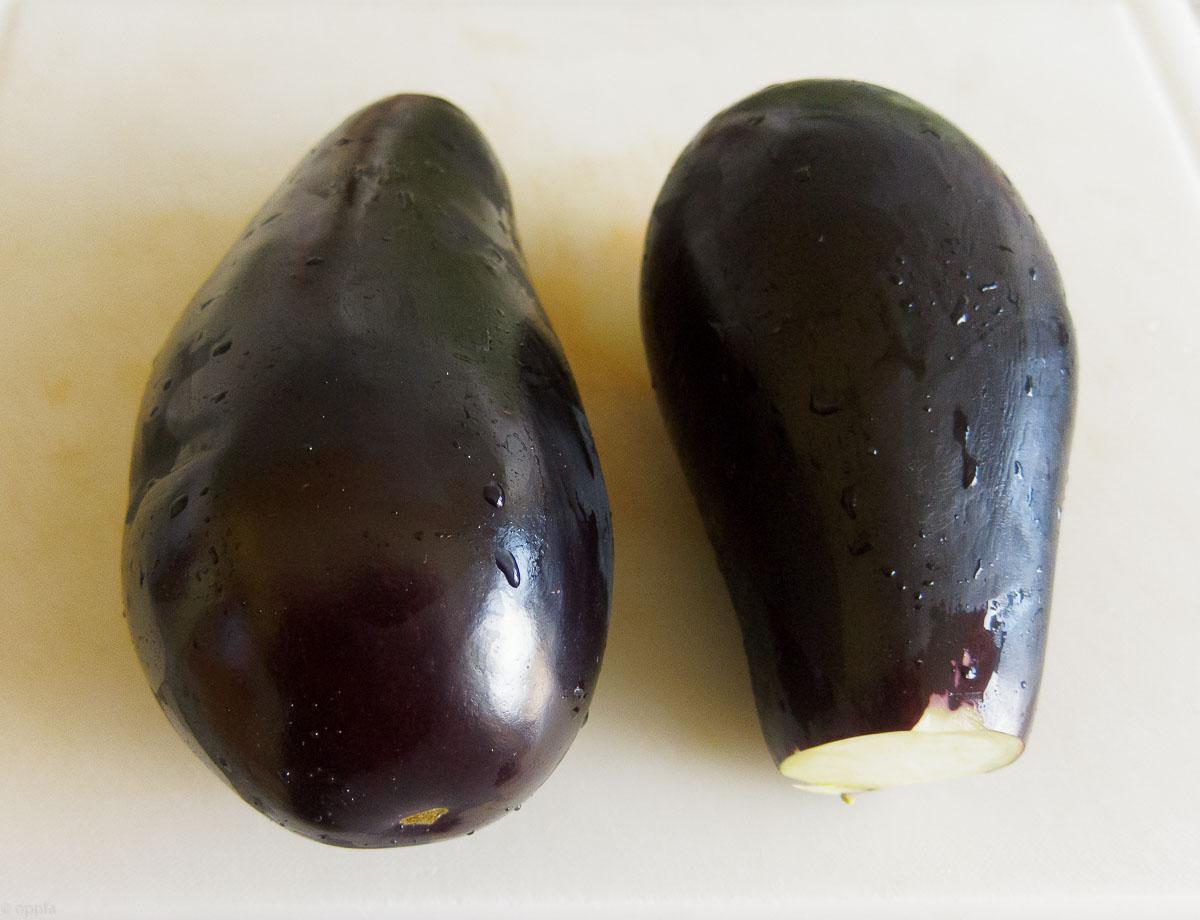 zwei Auberginen