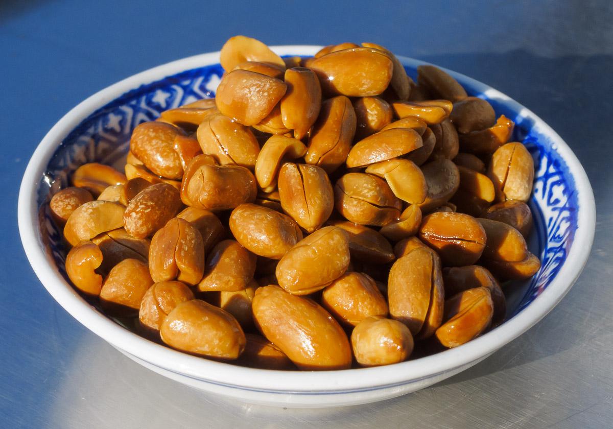 Erdnuss-Nacken - frisch geröstete Erdnüsse